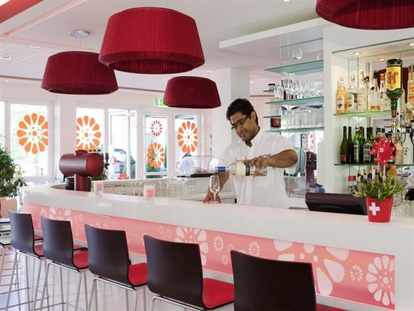 Bar Hotel ibis Zürich Messe-Airport
