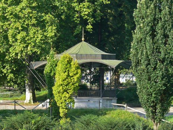 "A Bandstand in the Park ""Platzspitz"""