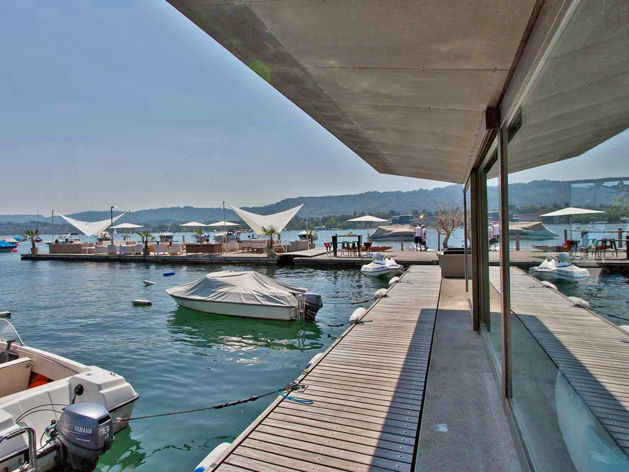 Lago: boat rental and lounge on Lake Zurich