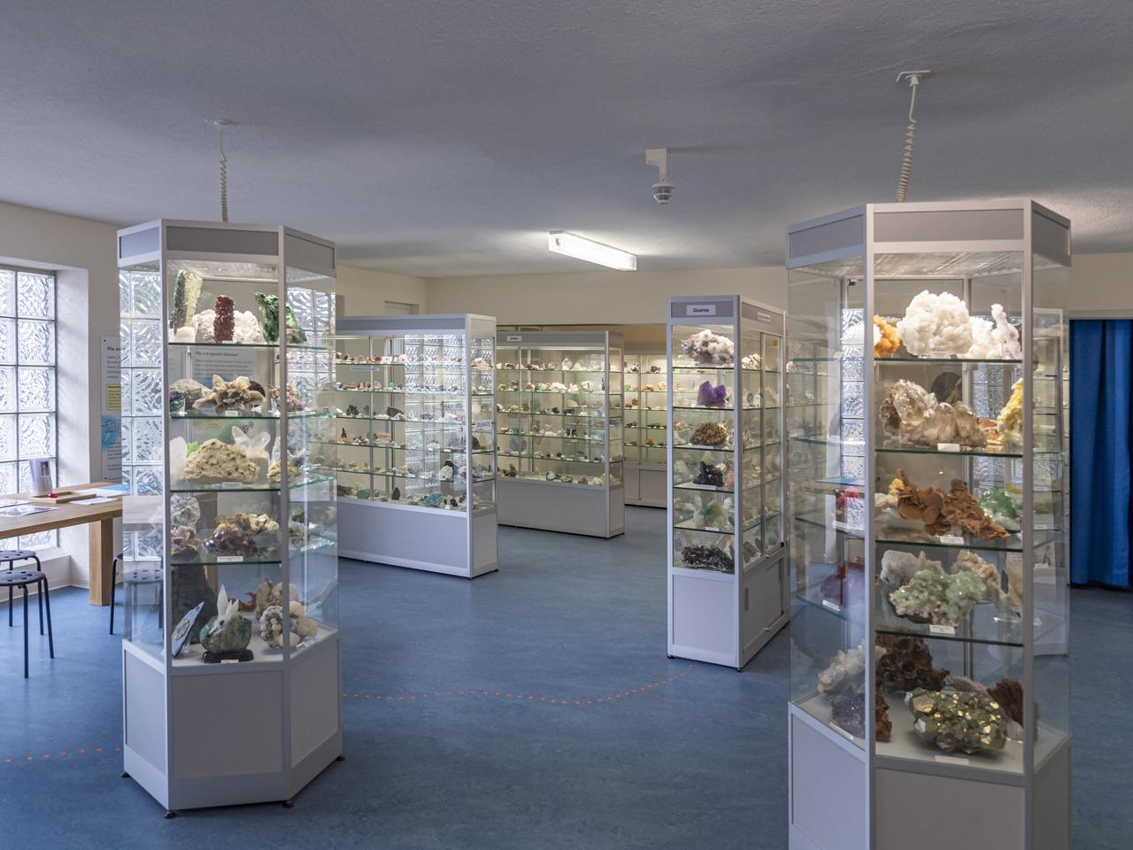 The collection consists of around 1,200 minerals and fossils